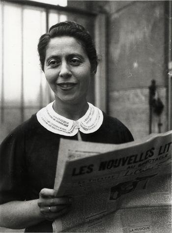 Irène Némirovsky lisant Les Nouvelles Littéraires, par A. Harlingue, 1938