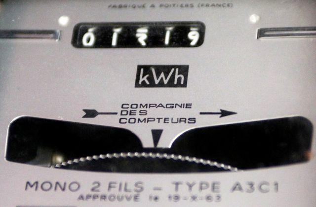 manuel valls évoque une hausse du tarif de l'électricité en dessous de 5%