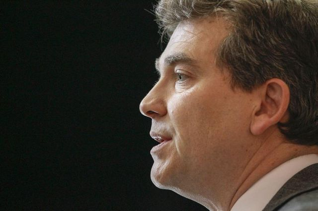 arnaud montebourg porte plainte contre paris match