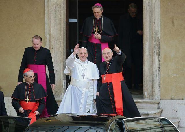 le pape invite les cardinaux à ne pas céder au pessimisme ni au découragement