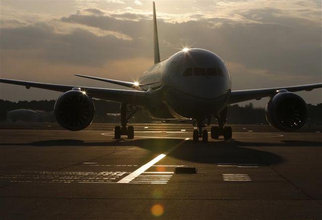 boeing suspend les livraisons de 787