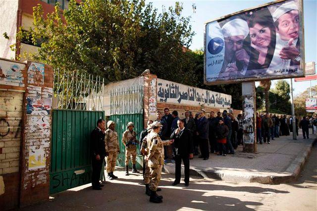 deuxième jour de référendum en égypte sur la constitution