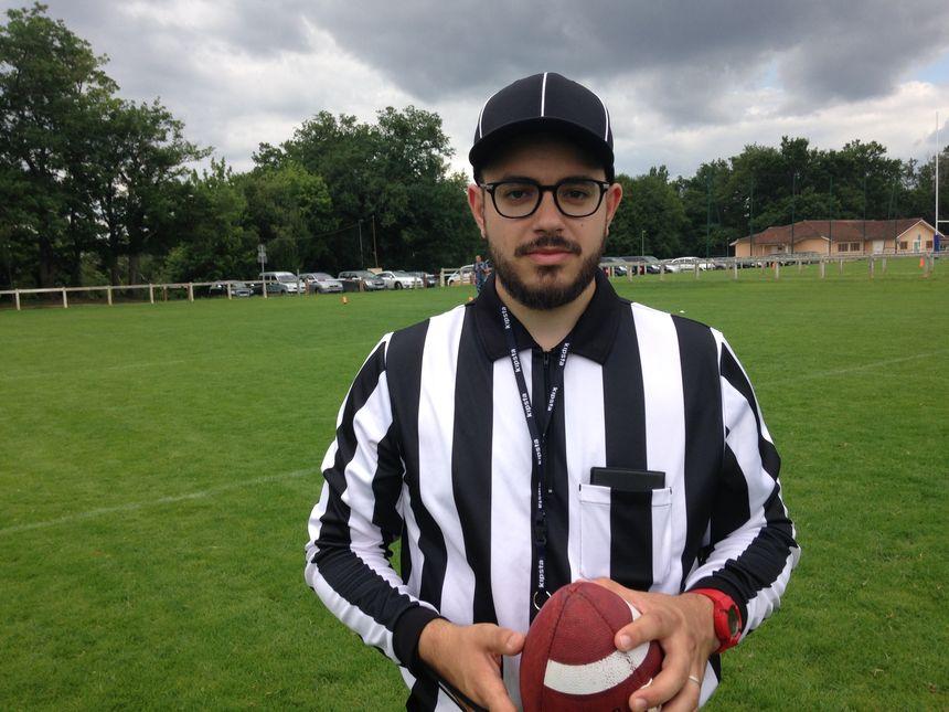 Dans le foot US le respect c'est la règle numéro 1, Clément, arbitre bénévole