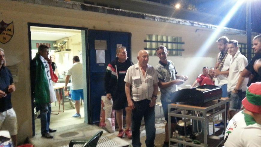 Les boulistes et les supporters après Belgique-Hongrie à Empalot