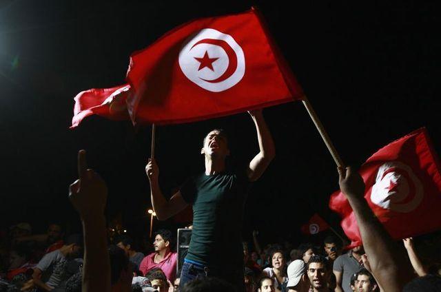 la mort de huit soldats dans un embuscade soulève la colère en tunisie