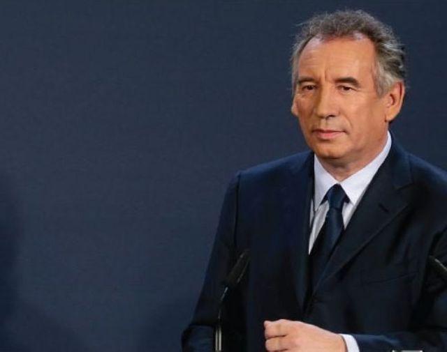 françois bayrou remporte la mairie de pau