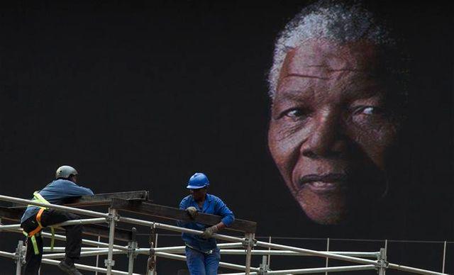 hollande et sarkozy se rendront séparément en afrique du sud pour les obsèques de mandela