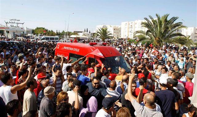 le meurtre d'un opposant tunisien provoque colère et incidents