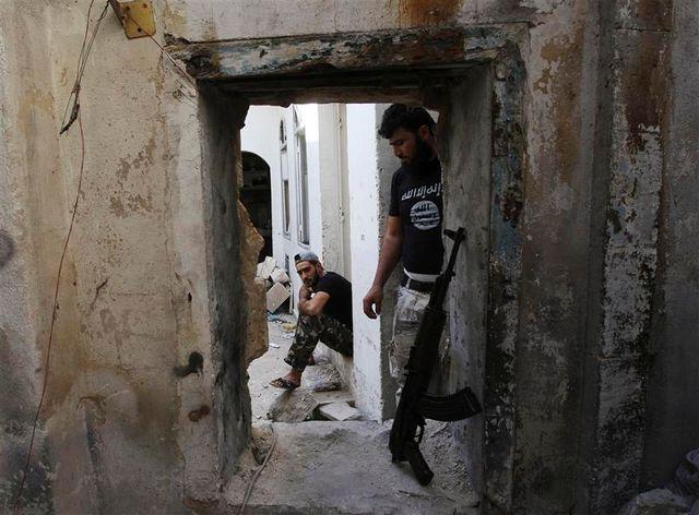 françois hollande déterminé à agir en syrie