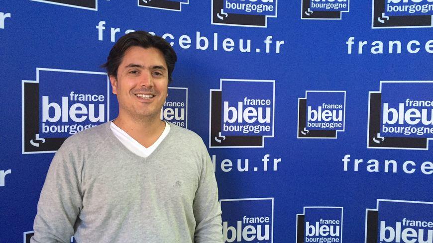 """Pierre-Olivier Costa, auteur de """"Allez les Bleus Allez!"""""""