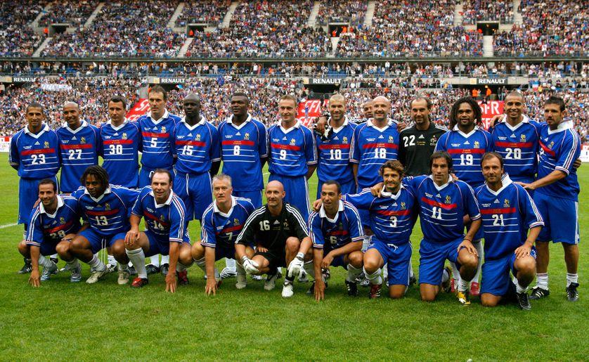 L'équipe de France 1998 pose pour un match anniversaire en 2008