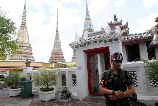 les forces thaïlandaises à nouveau déployées à bangkok