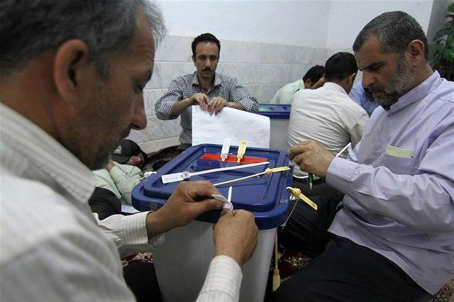 le modéré hassan rohani en position de l'emporter au premier tour en iran