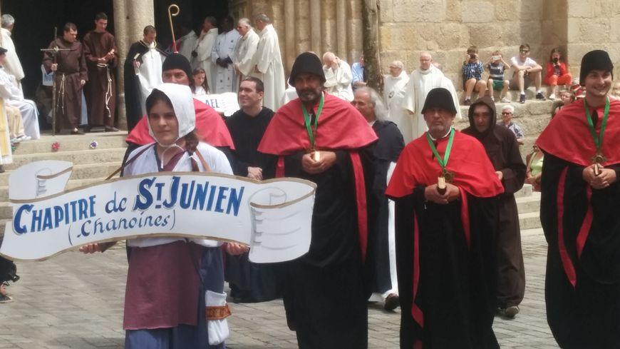 Le début des Ostensions de Saint-Junien ce dimanche.