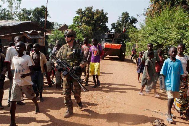 la france tente d'arrêter les massacres en centrafrique