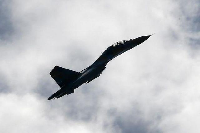 un avion ukrainien a été abattu par un chasseur russe, selon kiev