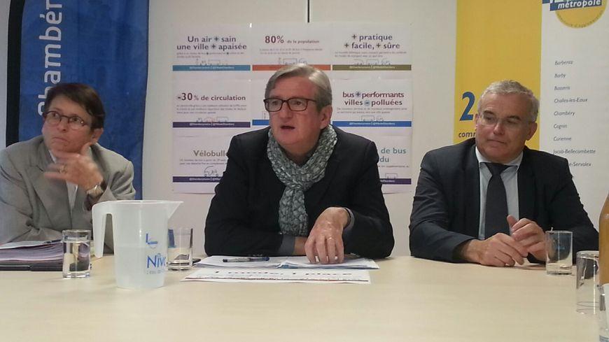 Xavier DULLIN, Michel DANTIN et Josiane BEAUD hier au siège de l'agglo