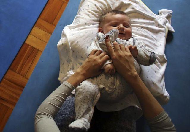 lingettes et laits pour bébés sont potentiellement nocifs