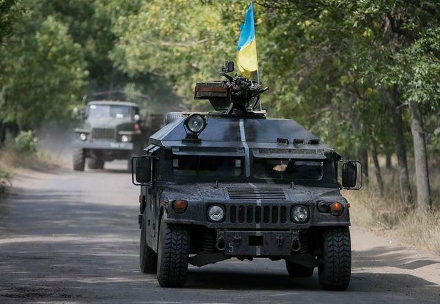 combats en ukraine pour le contrôle de l'aéroport de loubiansk
