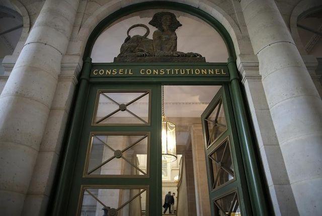 le conseil constitutionnel va se pencher sur la durée de la garde à vue de bernard tapie