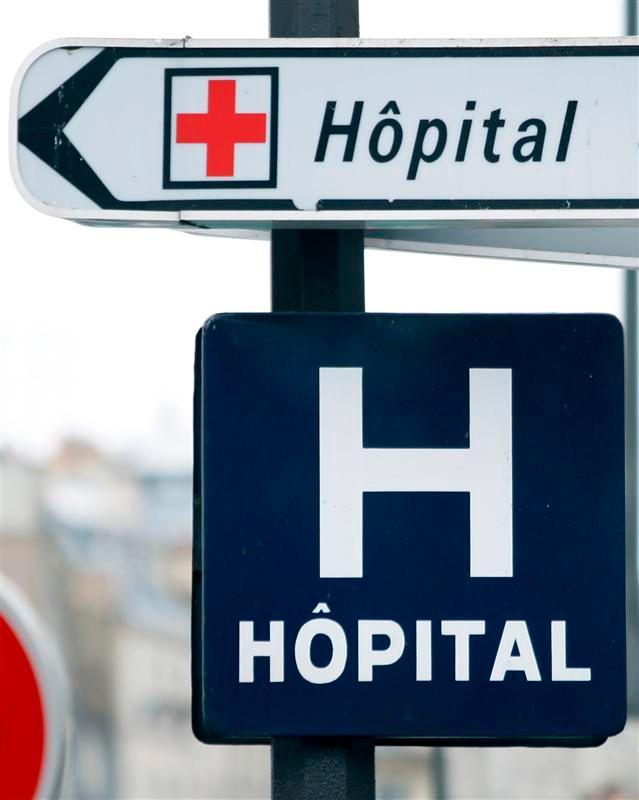 enquête sur le décès inexpliqué d'une patiente aux urgences de l'hôpital cochin à paris