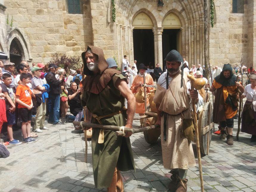 Les Ostensions existent depuis 994. Elles sont devenues septennales au XVIe s.