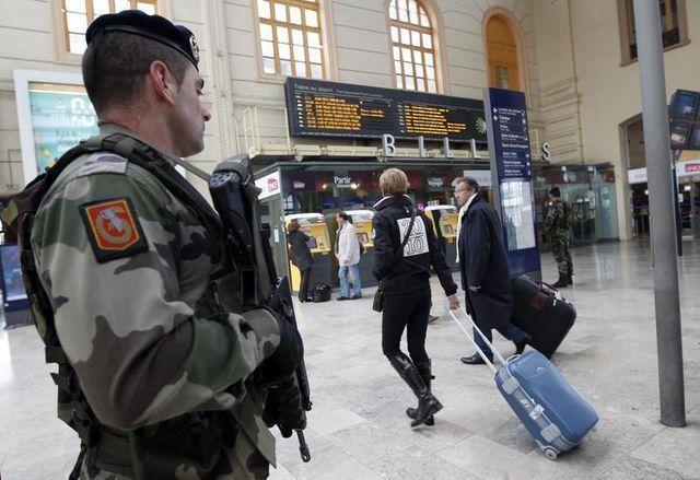 la france lance une réflexion sur la radicalisation, dans le cadre de la lutte contre le terrorisme