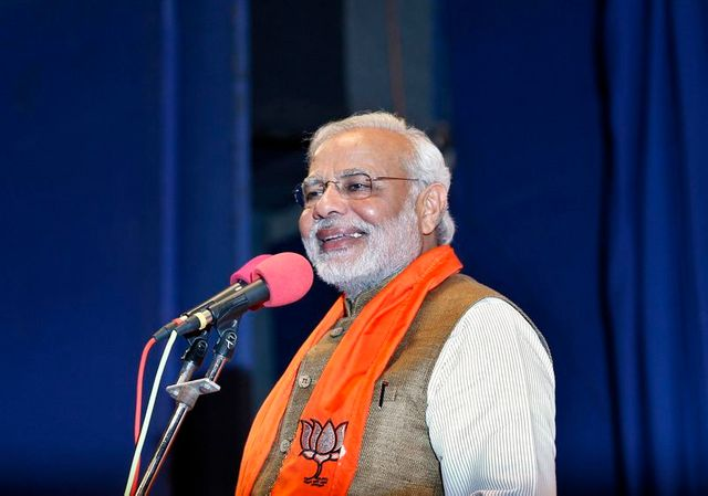 narendra modi fait un geste vers les voisins de l'inde