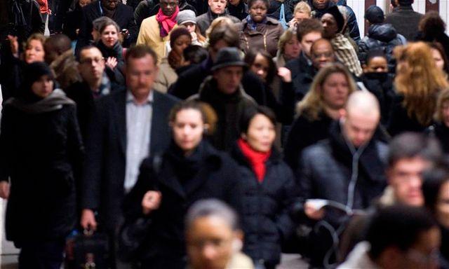"""près d'un français sur deux estime que le """"racisme anti-blanc"""" existe en france"""