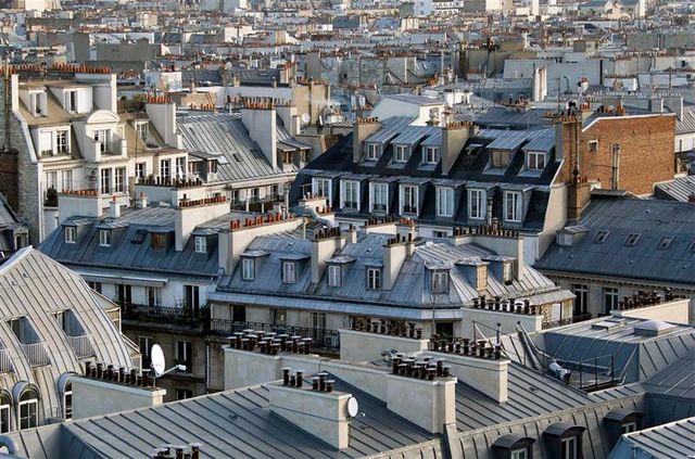 le parlement adopte le projet de loi sur l'urbanisme et les loyers