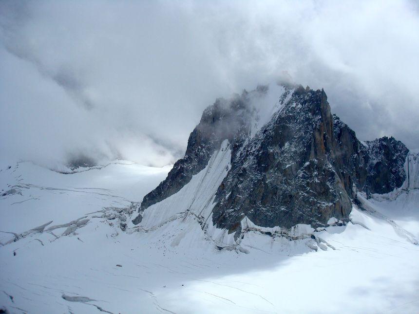 La face Nord de la Tour Ronde, dans le massif du Mont-Blanc