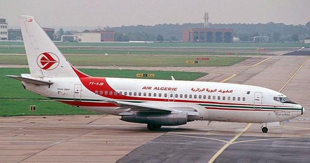 alger perd le contact avec un avion d'air algérie