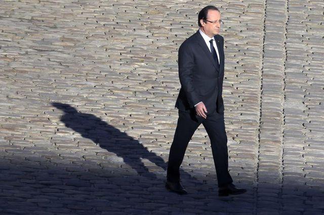 la cote de popularité de françois hollande reste stable, selon ifop
