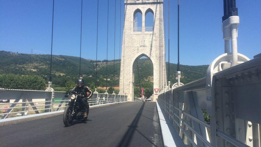 Le pont suspendu de La Voulte-sur-Rhône