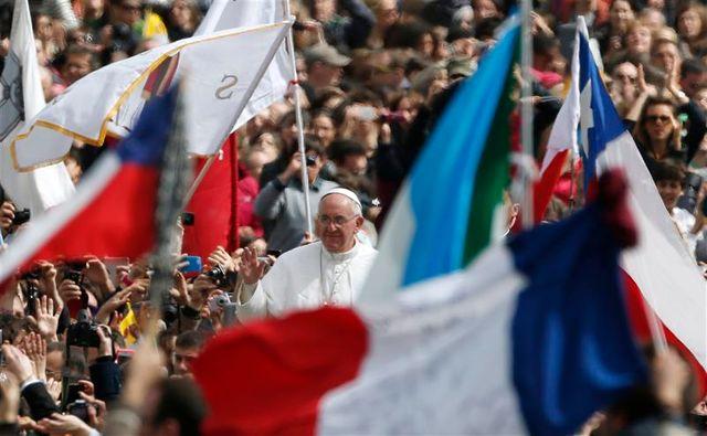 le pape lance un appel à la paix