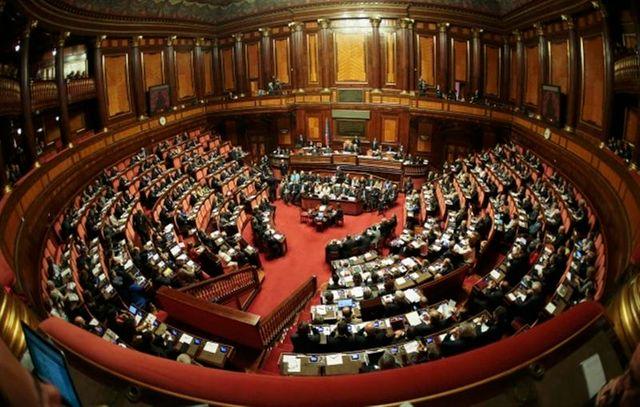 le gouvernement italien obtient la confiance du sénat