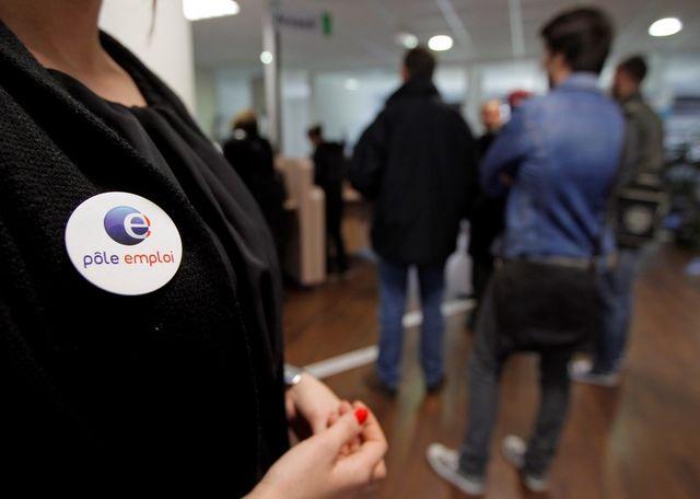 rebsamen veut s'assurer que les chômeurs cherchent du travail