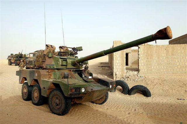 l'armée française frappe le nord du mali