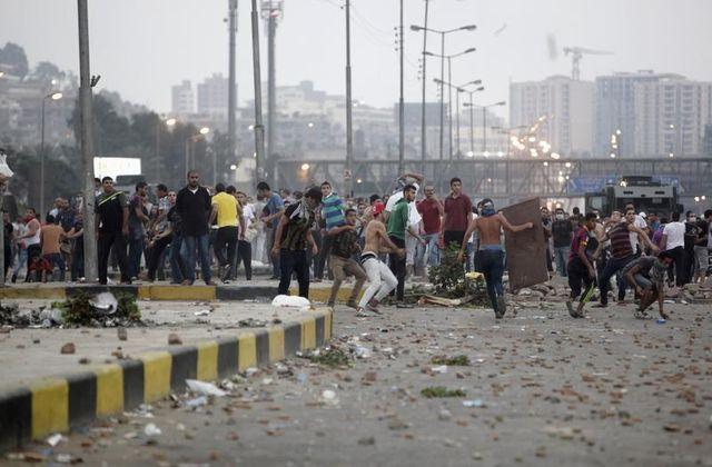 heurts meurtriers en égypte entre anti et pro-morsi