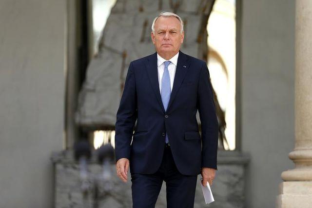 ayrault poursuit son opération déminage sur les retraites