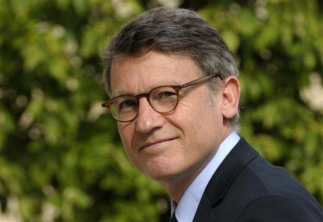 françois hollande soutient vincent peillon vis-à-vis des écoles privées