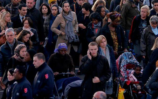 une majorité de français mécontents de la politique économique, selon opinionway