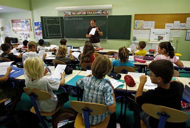 vincent peillon veut donner la priorité à la hausse des salaires des enseignants