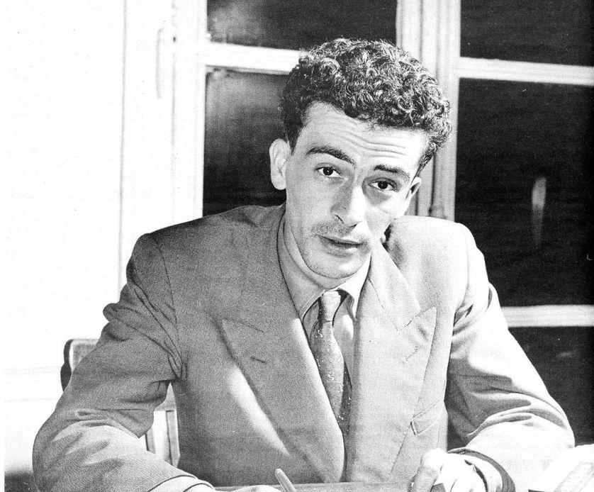 Kateb Yacine en 1956 via Wikimedia Commons