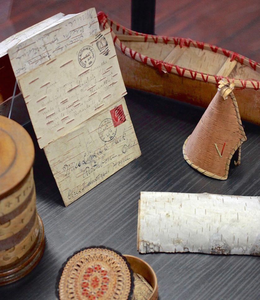 Cartes postales en écorce de bouleau