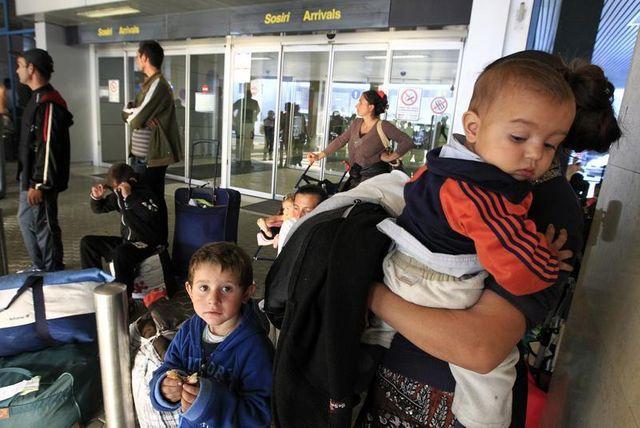 manuel valls se veut ferme mais transparent sur l'immigration