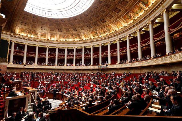 l'examen du projet de loi sur le mariage gay se poursuit à l'assemblée