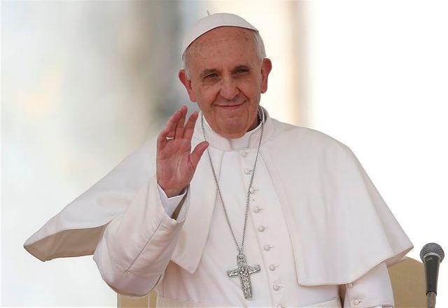 """le pape dénonce """"un travail d'esclave"""" au bangladesh"""