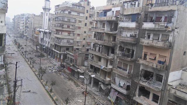 un quartier de homs repris par l'armée syrienne régulière