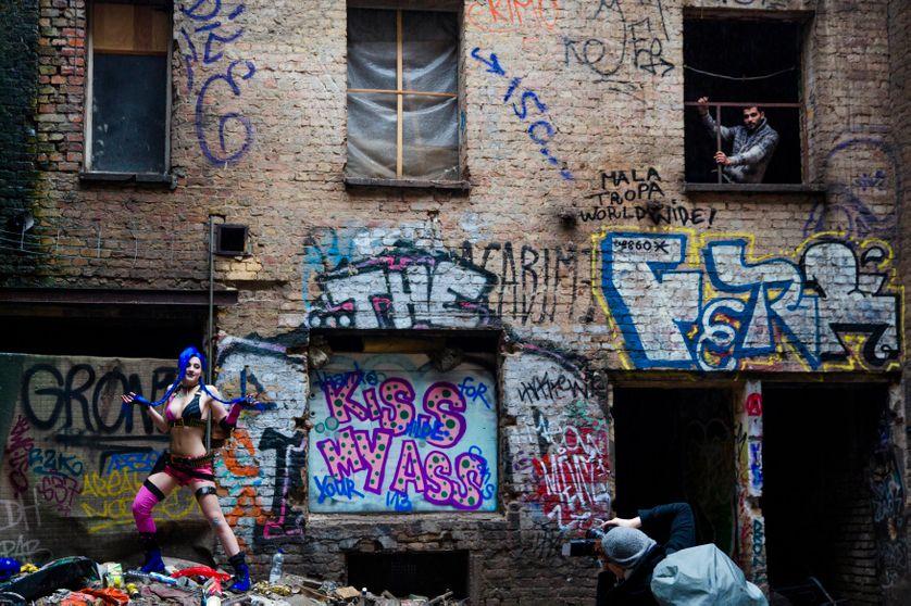 Séanche photo dans un squat dans une usine désaffectée à Berlin (2015)
